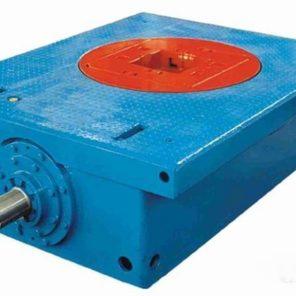 Оборудование для вращения бурового инструмента